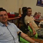 Bevásároltak és vért is adtak