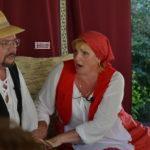 Szabadtéri színházi előadás a Kiséri városrészben