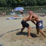 Birkózó verseny a Tisza partján