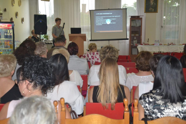 A Dr. Bugyi István Kórház Tudományos Bizottsága tudományos ülést rendezett  május 24-én az intézmény ebédlőjében. Abból a szempontból különlegesnek  mondható ... 9346d81ffd