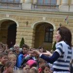 A Zene Világnapján, a Kossuth téren énekeltek a református iskolások (videóval)